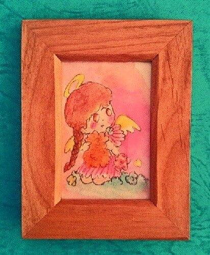 天使の女の子が斜め上を見ているイラスト