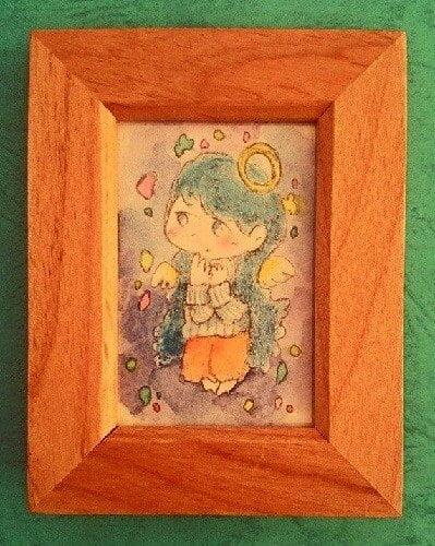 天使の女の子が横を見ているイラスト