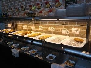 ナンチクレストラン肉の蔵横の総菜コーナーの写真
